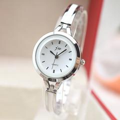New stud quartz ladies bracelet watch Simple fashion trend student watch Silver white metal
