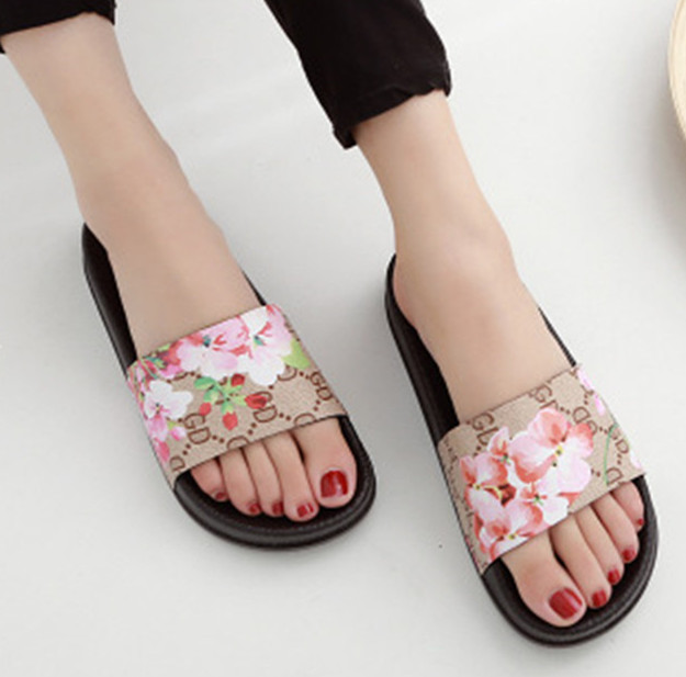 New women's flat bottom soft bottom non-slip cloth leather sandals and slippers brown 40