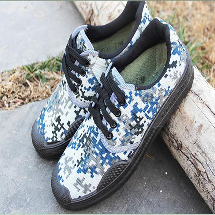 ca26c4d50d5 Outdoor shoes Sports canvas wear-resistant rubber sole camouflage shoes  strong cloth shoes square blue