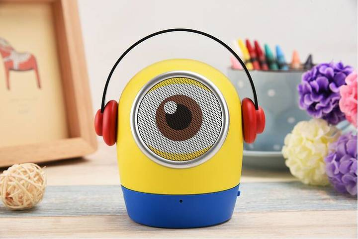 Cartoon doll little yellow man variety of wireless Bluetooth speaker mobile phone computer subwoofer yellow 32gb same