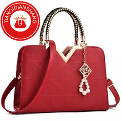 In 2019, new promotions, crazy buying, one-shoulder slanting, handbags red ordinary