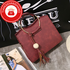 New promotions in 2019, limited to 50, fashionable handbags, sloping shoulder bags red ordinary