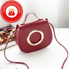 TQDS 2019 new product promotion, low price crazy purchase, one shoulder oblique handbag red ordinary