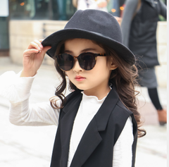 The new fashion glasses sunglasses in children Hawksbill dark gray As shown in figure