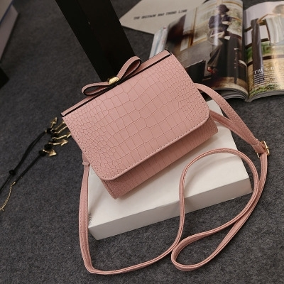 Crocodile Pattern Patent Leather Shoulder Bags Ladies pink one size