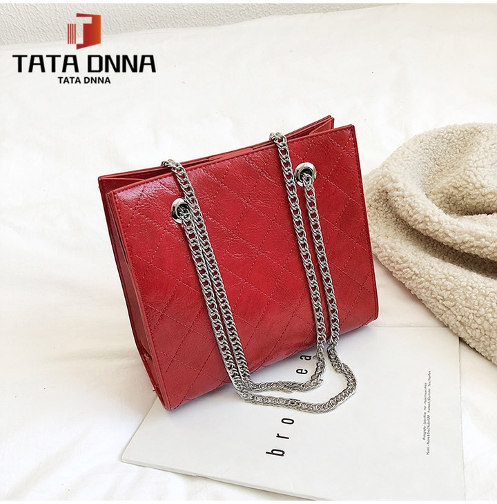Promotion of New Fashion Styles/ Promotion/New chain messenger bag /shoulder bag white 25x19x12cm 30