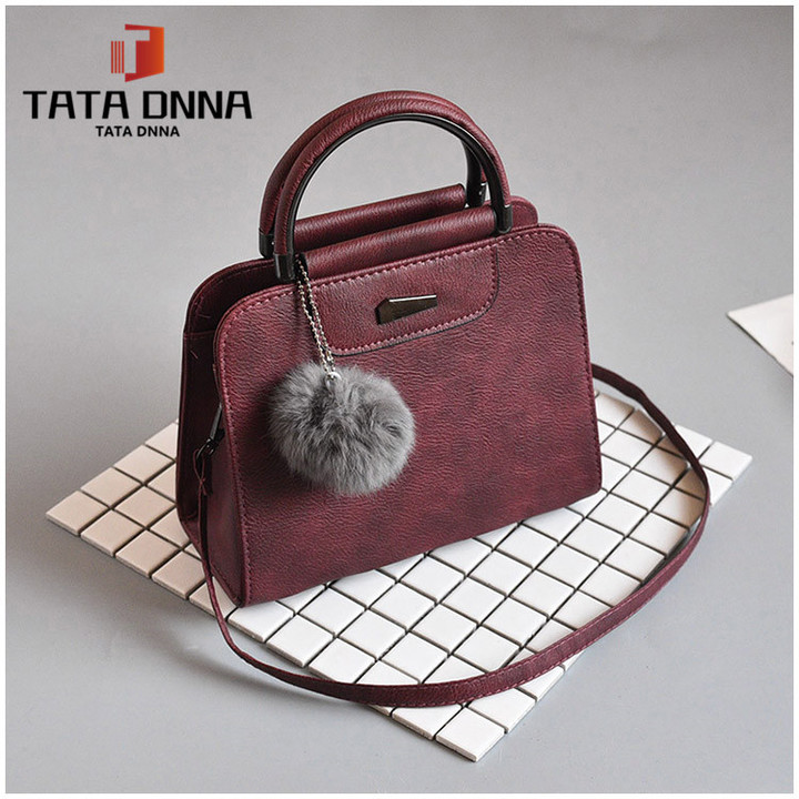 Promotion of New Fashion Styles/ Promotion/New chain messenger bag /shoulder bag white 25x19x12cm 29