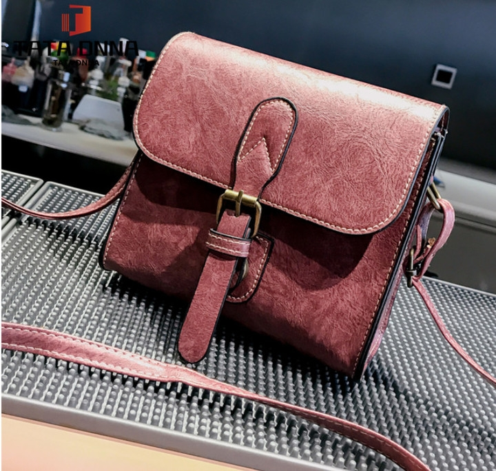 Promotion of New Fashion Styles/ Promotion/New chain messenger bag /shoulder bag white 25x19x12cm 28