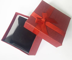 Gift Box maroon one size
