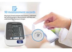 Omron electronic blood pressure monitor HEM-7136 home elderly upper arm blood pressure white black