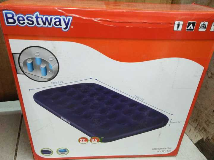 Inflated mattress black normal