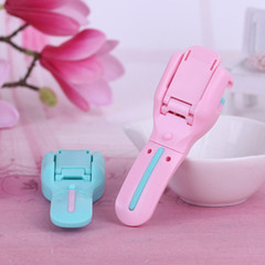 Mini Eyelash Curler Curling Clip Easy Carry Beauty Tool Lash Curler Nature Curl Stylish pink