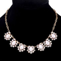 Women's Noble Necklace Women's Jewelry Noble Pearl Pendant Women's Jewelry One color as picture One size