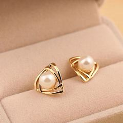 New Trendy Women Earrings Zinc Allow Women Jewelry imitation Pearl Triangle Stud Ladies Accessories gold and pearl white one size