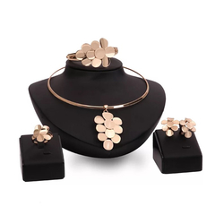 5 Pieces Jewelry Set Women Luxury Leaves Necklace Dubai Gold Color Earrings Ring Bracelet Set gold one size