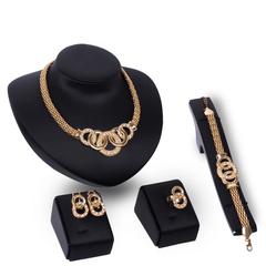 5 Pcs Women Jewelry Sets Chain Rhinestones Bracelet Pendant Necklace Earrings Rings European Choices gold one size