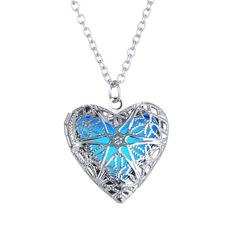 New Shinny Women Jewellery Hollow Love Heart Necklace Night Luminescence  Pendant Ladies Accessories sliver and blue one size