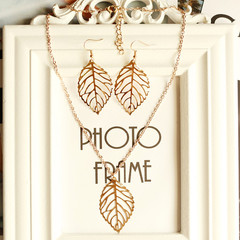 3 Pcs New Trendy Women Necklace Earrings Hollow Leaf Design Jewellery Pendant Ladies Accessories gold one size
