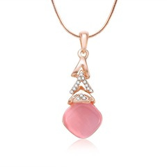New Trendy Women Necklace Multilayer Triangle Design Women Jewellery Shiny Crystal Accessories gold and light pink one size