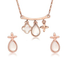 3 Pcs Women Jewellery Set Women Necklace Earrings Sea Shell Designed New High Quality Accessories gold and Shell white one size