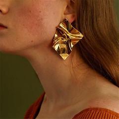 Designed Women Earrings Luxury Women Stud Irregular Shape Women Jewellery Shiny Ladies Accessories gold one size