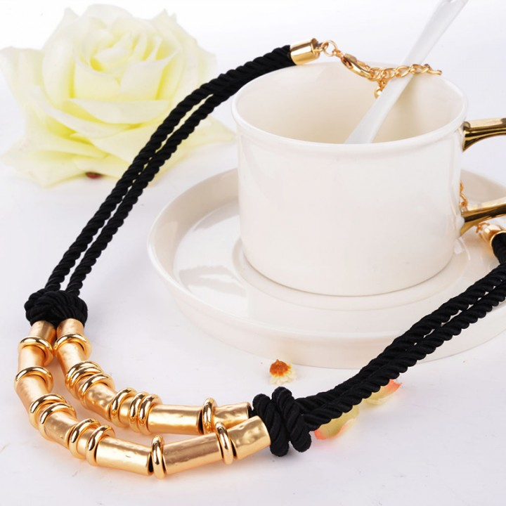 Trendy Jewelry Golden Necklaces Golden One size