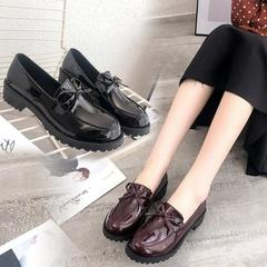 British women's shoes 2019 shoes new thick with single shoes flat bottom bright leather shoes black 35