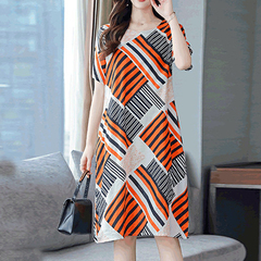 The dress summer clothes noble new large size middle-aged women spring dress skirt M Graph coloring