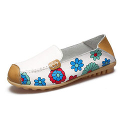 Flat bottom mom shoes soft comfort printed women flat shoes with leather women's shoes go with beans white 35