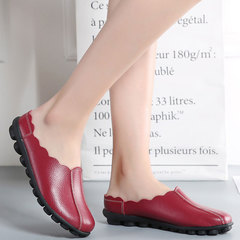 The new leather slippers for women are medium and old, flat, low-heeled and soft-soled sandals Bordeaux red 35