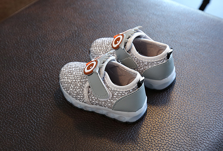 f18b265c933 Kids New Light Sports Boys Shoes and Girls  Breathable Mesh Single ...