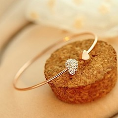 Exquisite hot-selling heart-shaped diamond-studded heart bracelet with random gifts Gold One Size