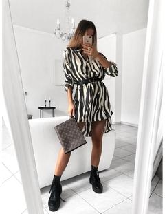 New V-neck Long-sleeve Printed Dresses.No Belt.Gift: A Pair Of Short Stockings.Dresses M Zebra