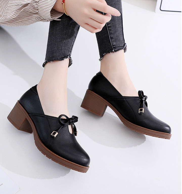High-quality thick heel with single shoes wild large size 34-43 yards leather shoes black 41