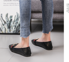 2019 fashion female pointed shoes flat-bottomed outfit wild lazy shoes comfortable black 34