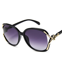 Trend big box sunglasses lady personality hollow four-leaf clover inlaid sunglasses black one size