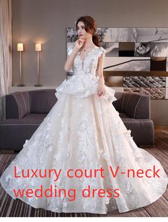 Luxury court-style V-neck wedding dress,  New bridal dress of Princess lace with big tail m wedding dress