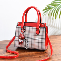 New Single Shoulder Girls'Bag A Fashion and Elegant Bag for Europe and America red thy only