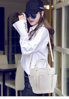 canvas bag of the Department of Literature and Art is a vintage and fresh zipper handheld canvas ba black thy only