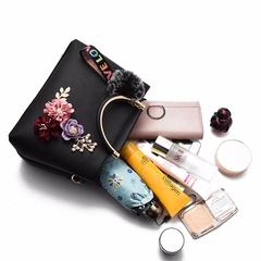 Xia Xin Women's Bag Hand-held Korean Edition Fashion Simple Square Bag Trend Single Shoulder Slant black thy only
