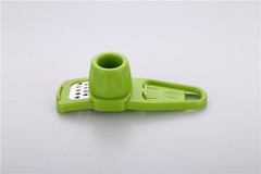 Multifunctional kitchen tools, garlic grinder, garlic pounder, garlic peeler garlic mash green 4.2*13.8*4