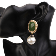 1 Pair of  Earrings Bohemia Style Hot Sell Exaggerated vintage pearl metal earrings(2.5cm*6.2cm) green 2.5cm*6.2cm