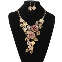 3 Pcs New Fashion Women Jewelry Set Exaggerated Vintage Necklace Alloy Hollow Earrings One Size gold 52cm