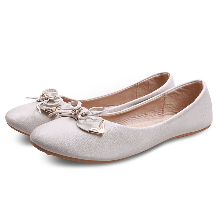Only 20 PCS in Stock Factory Best Price Women Flat Pointed Shoes ladies shoes women shoes Beige 42