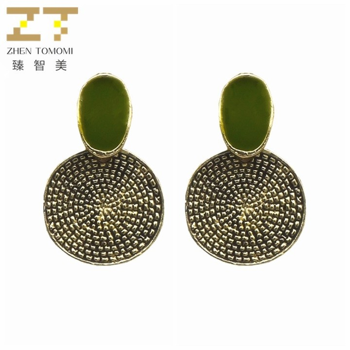 Hot Fashion  Vintage Retro Big Names Green Round Carved Stud Earrings Women Jewelry one size 1