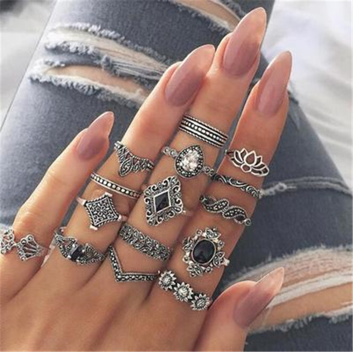 2019 Jewelry 15 Set Alloy Rings Women's Fashion Of Black Gemstone Sunflower Kilimall kenya 5th silver 16cm-18.5cm