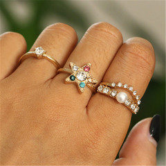 2019 Jewelry 4 Pieces/ Set Alloy Rings Women's Fashion Of Pentagon Pearl Rhinestone Ring gold 1.6cm-1.65cm