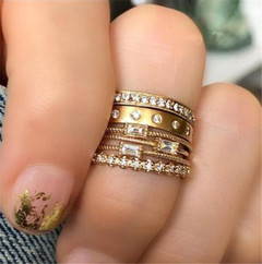 2019 Jewelry 4 Pieces/ Set Alloy Rings Women's Fashion Of Rhinestone Ring gold one size