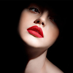 2019 New Lipsticks For Women Brand Lips Color Cosmetics Waterproof Long Lasting Lipstick as picture