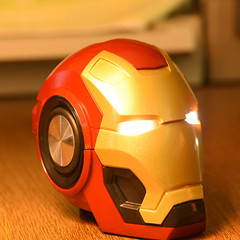 New arrival Iron Man Bluetooth speaker Wireless intelligent Radio Bass Card Mobile phone mini audio Red 145*110*100mm